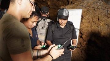 Mouser interviewer Uzi Hanuni, der udviklede den high-tech kommunikationsløsning, som reddede det thailandske fodboldhold