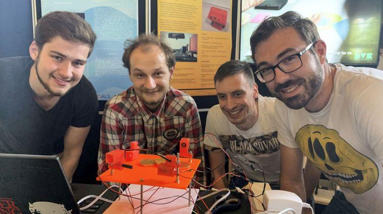 Studerende præsenterede fremtidens IoT-løsninger på IoT Week